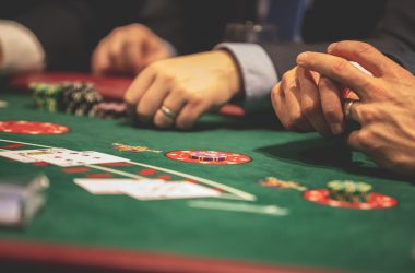 How Playing Online Poker Is Always Fun For The Players?
